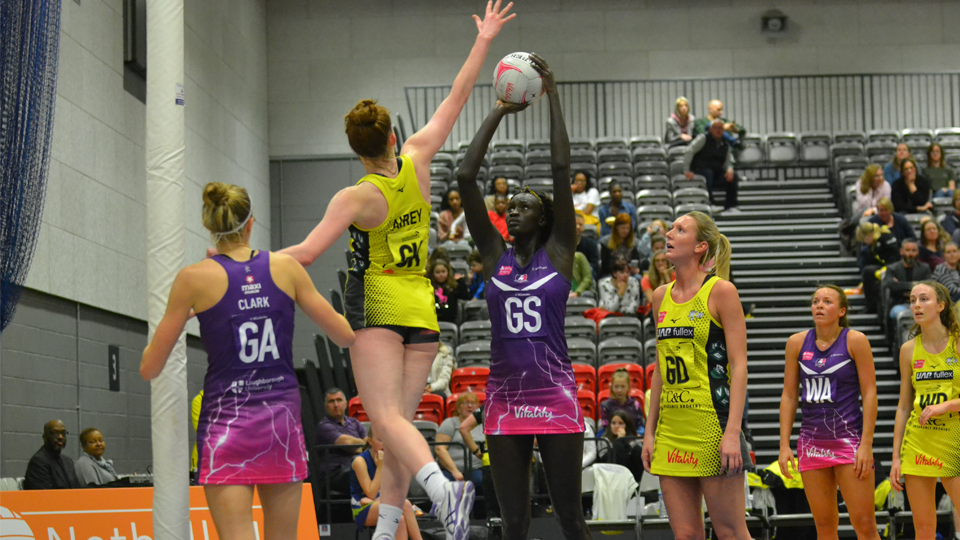 Lightning Netball End Manchester Thunder S Unbeaten Run