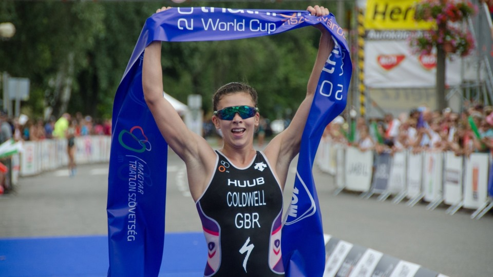 Sophie Coldwell takes triathlon victory