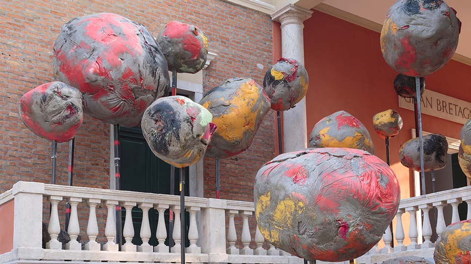 Phyllida Barlow's exhibition, 'folly'