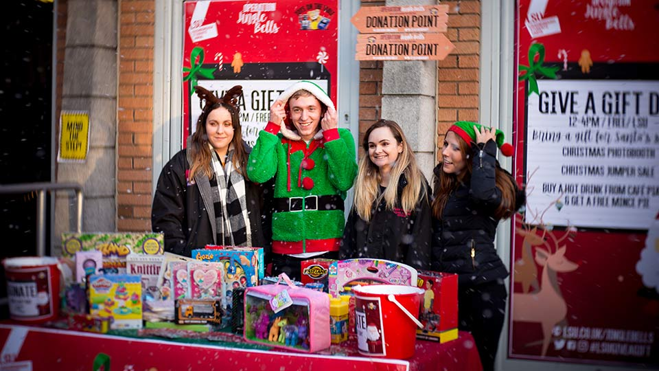 Students helping on Give a Gift Day. Image courtesy of Loughborough Students' Union.