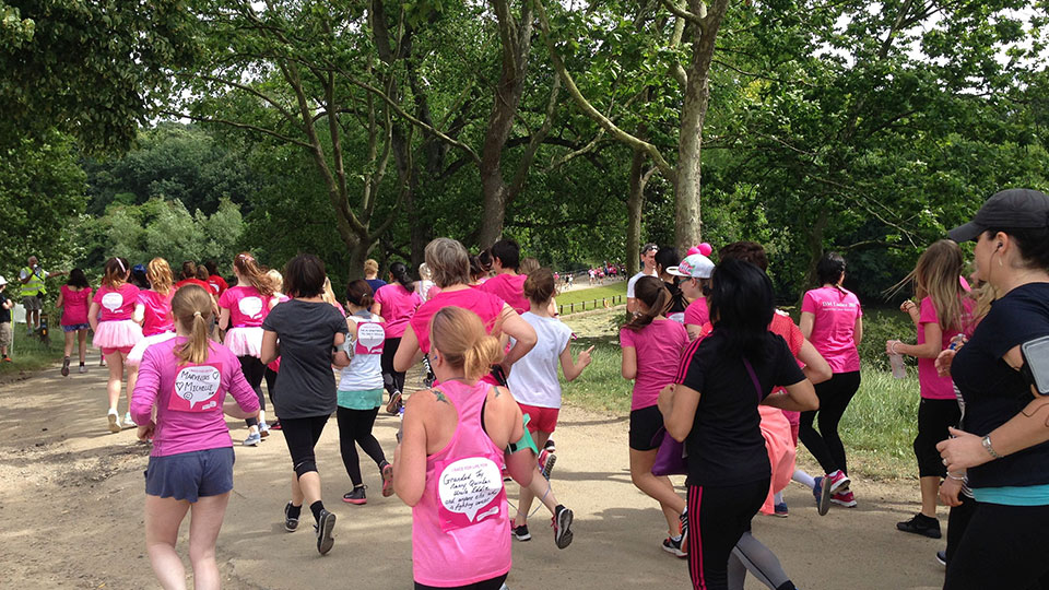 photo of women taking part in a Race for Life event