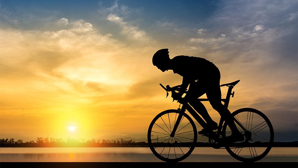 دوچرخه سواری کنید