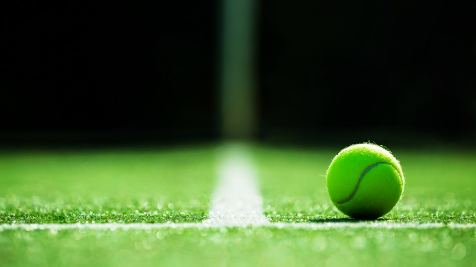 arty tennis shot