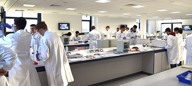 Example First Year Lab Class Chemical Engineering